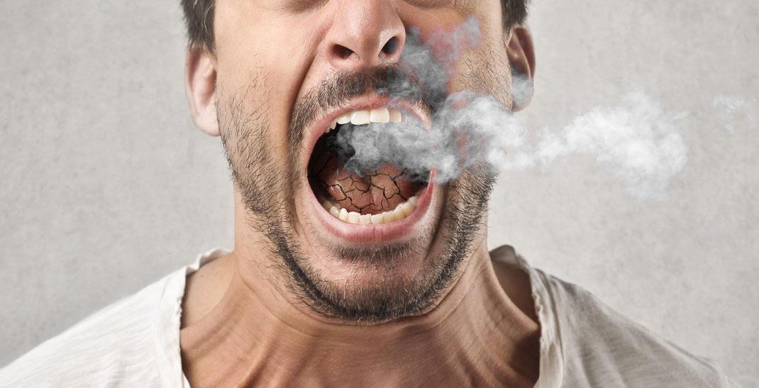 Waarom krijg je van wiet een droge mond en wat kun je er aan doen?
