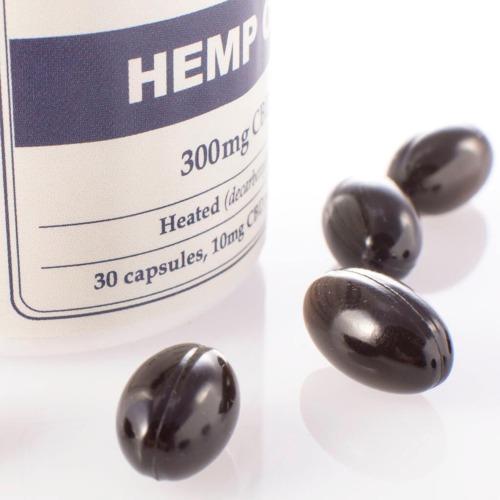 Dit potje CBD Capsules van Endoca bevat 30 capsules met totaal 300mg CBD