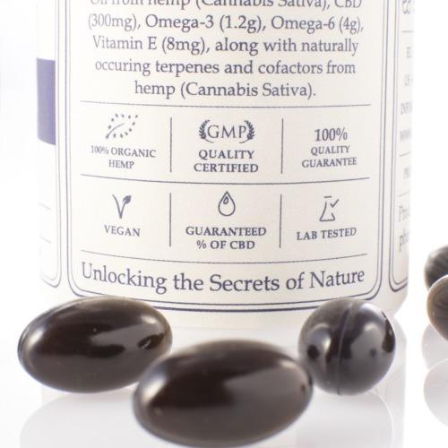 Dit potje Raw CBD Capsules van Endoca bevat 30 capsules met totaal 300mg Raw CBD en CBDa